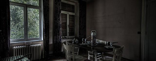 Na ons bezoekje aan Maison Tilff stond Villa Neux op ons lijstje. We wisten niet wat we mochten verwachten van deze verlaten villa en misschien hadden we het beter wel […]