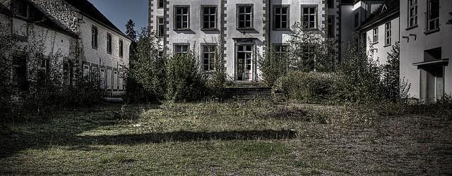 Toen we de eerste keer bij Chateau ML aankwamen viel het ons op dat er aan de ingang van het domein een bordje hing dat waarschuwde voor airsofters. En natuurlijk […]