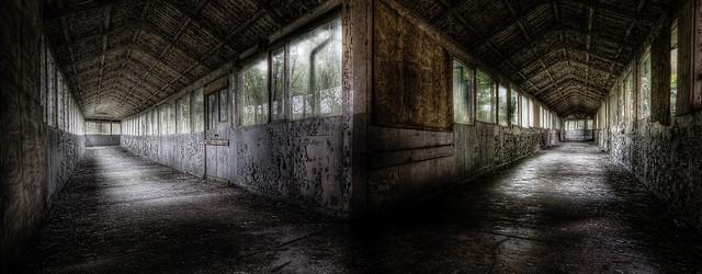 Omdat West Park Asylum een grote naam is binnen het urbex wereldje stond deze al een tijdje op ons lijstje van te bezoeken locaties. Door samenloop van omstandigheden beslisten we […]
